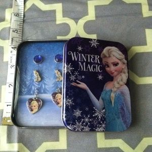 Other - Frozen earring set